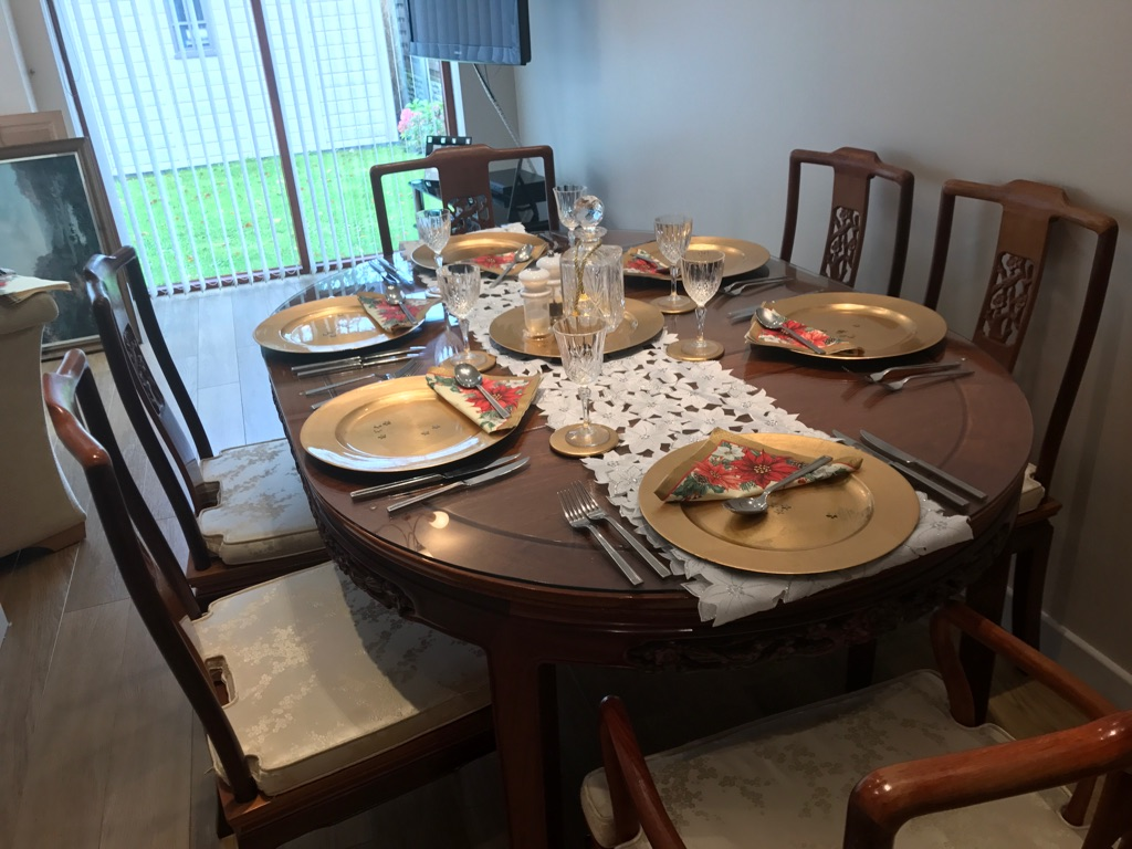 Dining room table and 4 chairs and 2 Calvert's