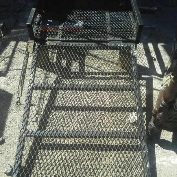Heavy Duty Wheelchair Lift