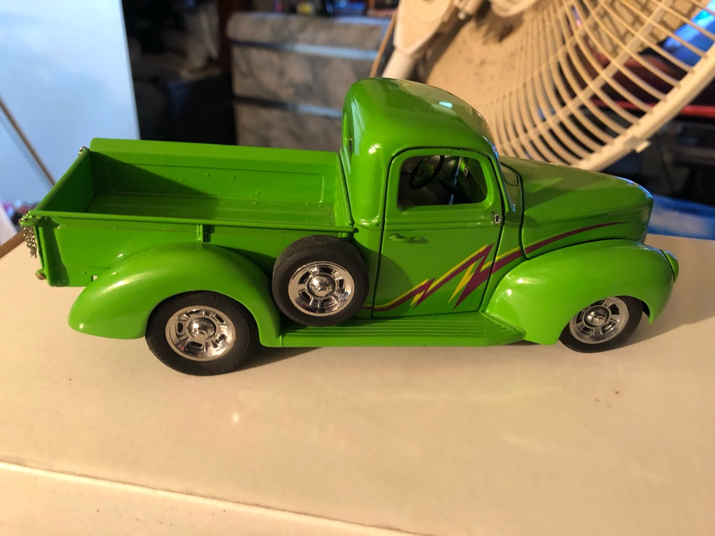 Franklin mint 1940 green thunder Ford
