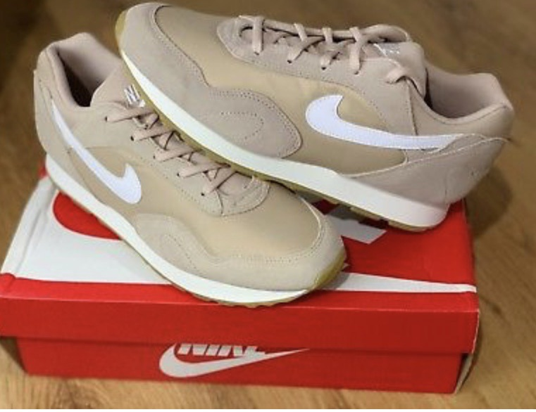 Brand new nike outburst trainers size 5