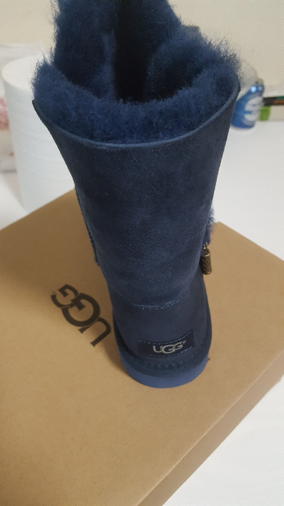 UGG SHOES 6.5 UK