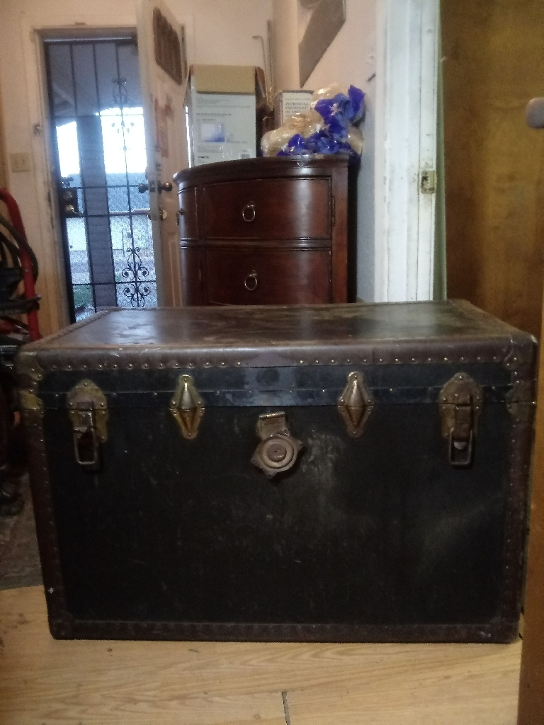 Vintage 1920s Steamer Trunk