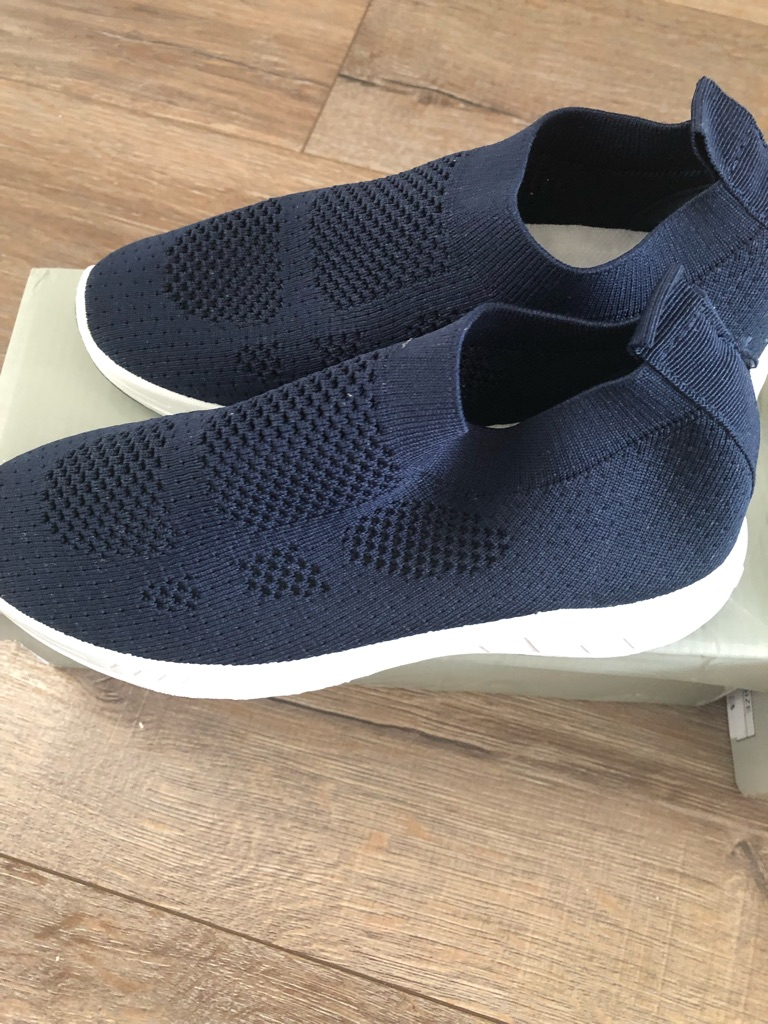 Knit breathable slip on trainers brand Size 3 5 6