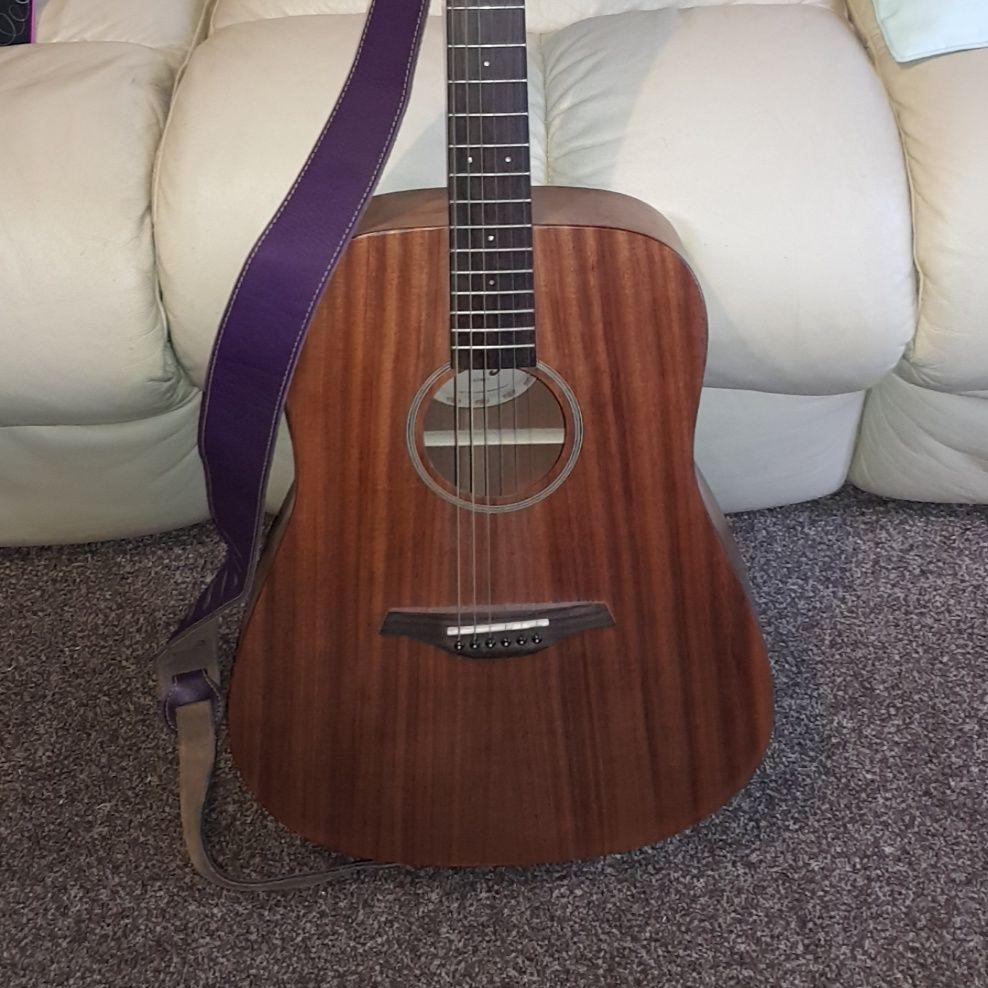 Vintage v400mh acoustic guitar