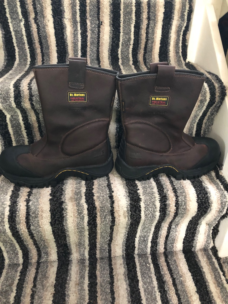 Dr. Martin , steel toe capped boots, never worn size 6