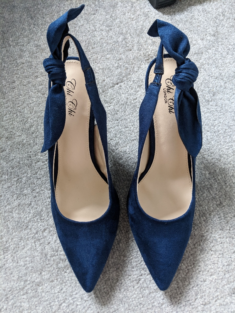 Navy slingback heels size 6 | Village