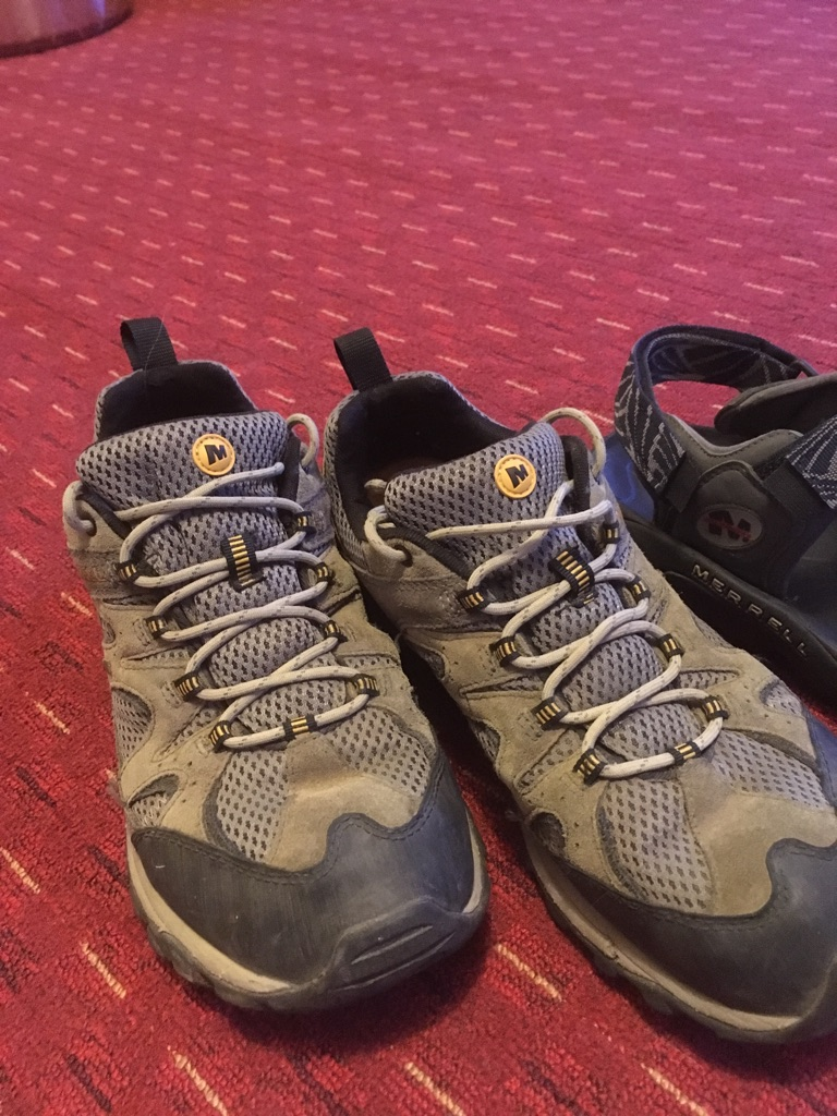 Merrell hiking shoes and sandals - size 9