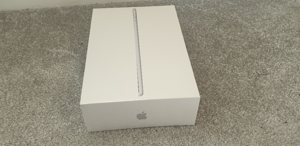 BRAND NEW Sealed, unopened iPad mini 5 256GB, Wi-fi, Silver. (WARRANTY) RRP £549