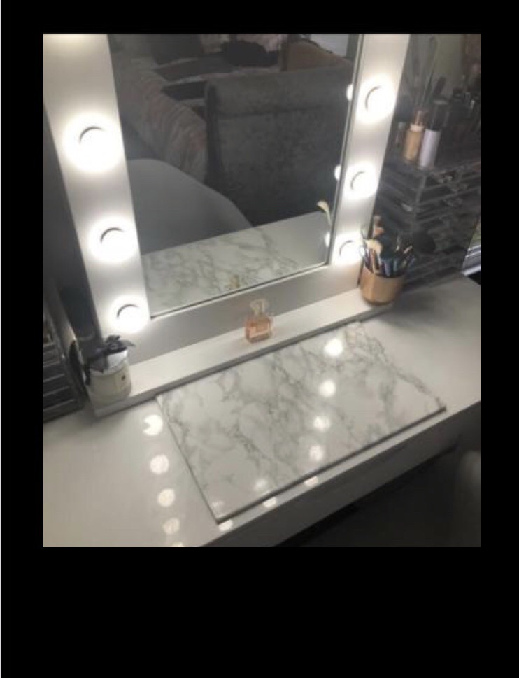 Dressing table protector