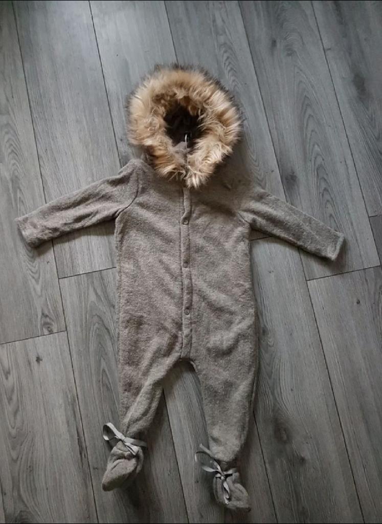 Age 2/3 years Boys fur hooded knitted winter onesie