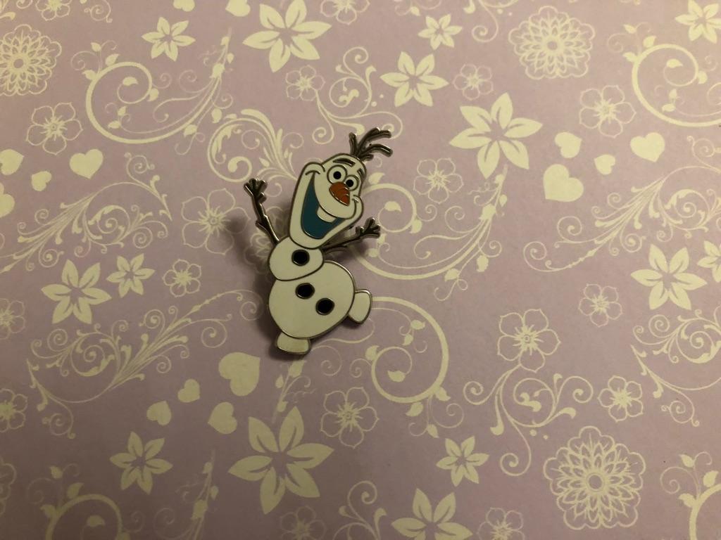 Olaf Disney pin