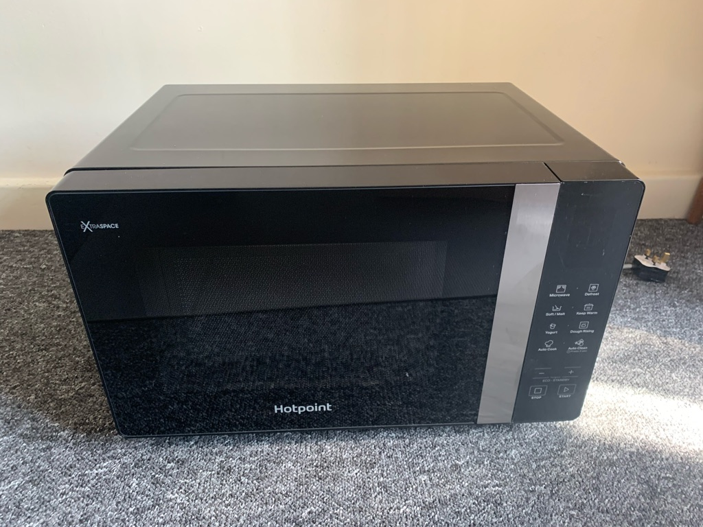 Hot point Microwave 30lt