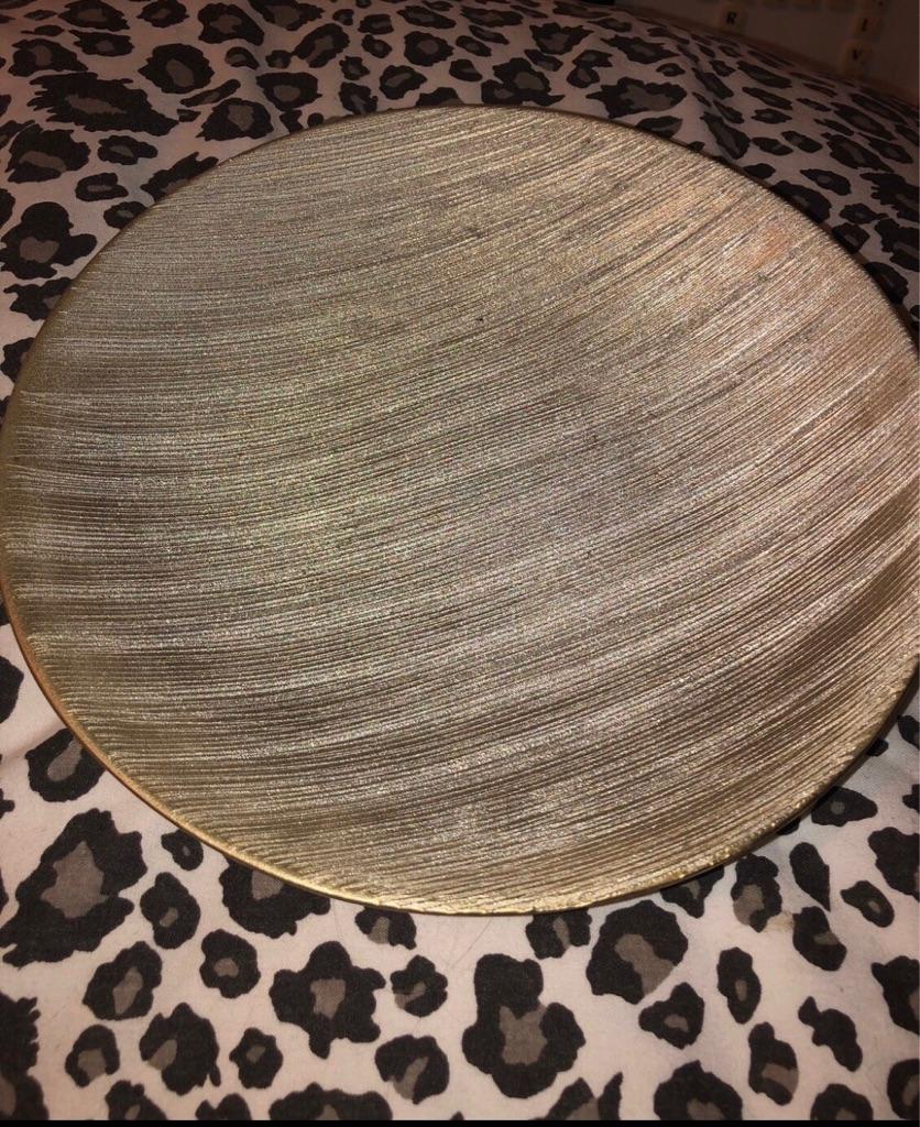Gold ornamental bowl