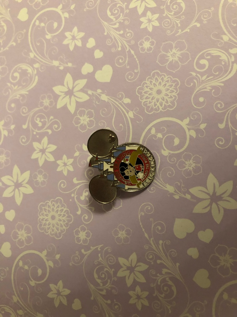 Special promotion Mickey pin