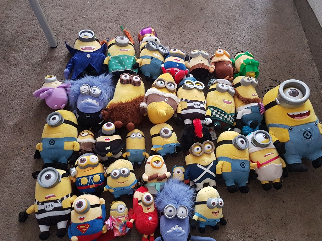 Minion teddys approx 32 in total