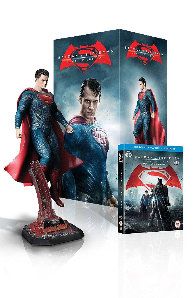 Superman statue Dawn of Justice