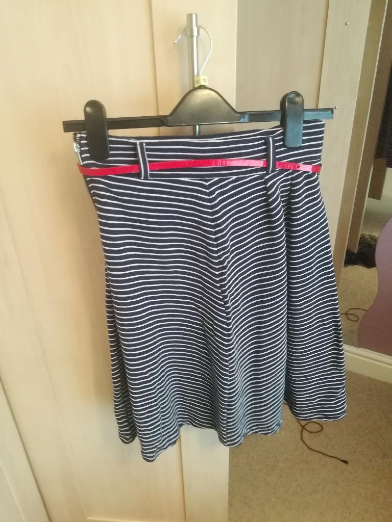 Women's tops and skirt