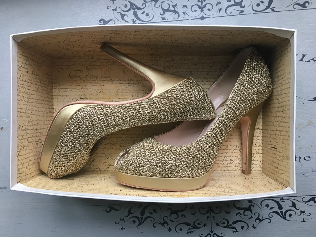 Reiss gold weave peep toe shoes size 5