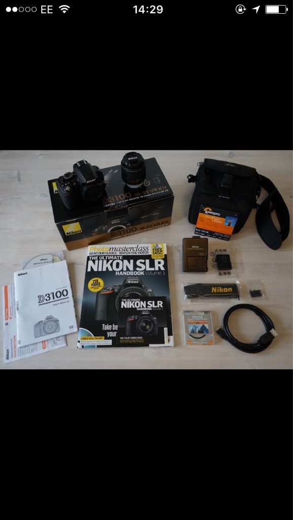 Nikon D3100 Digital SLR Camera kit-MINT CONDITION