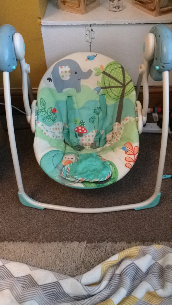 Baby bouncer swing chair