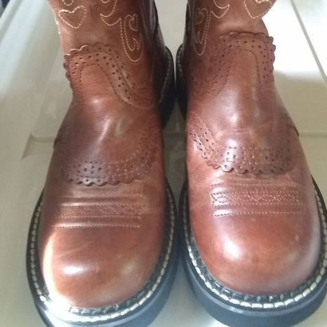 Ariat Fatbaby Boots...sz 6 1/2