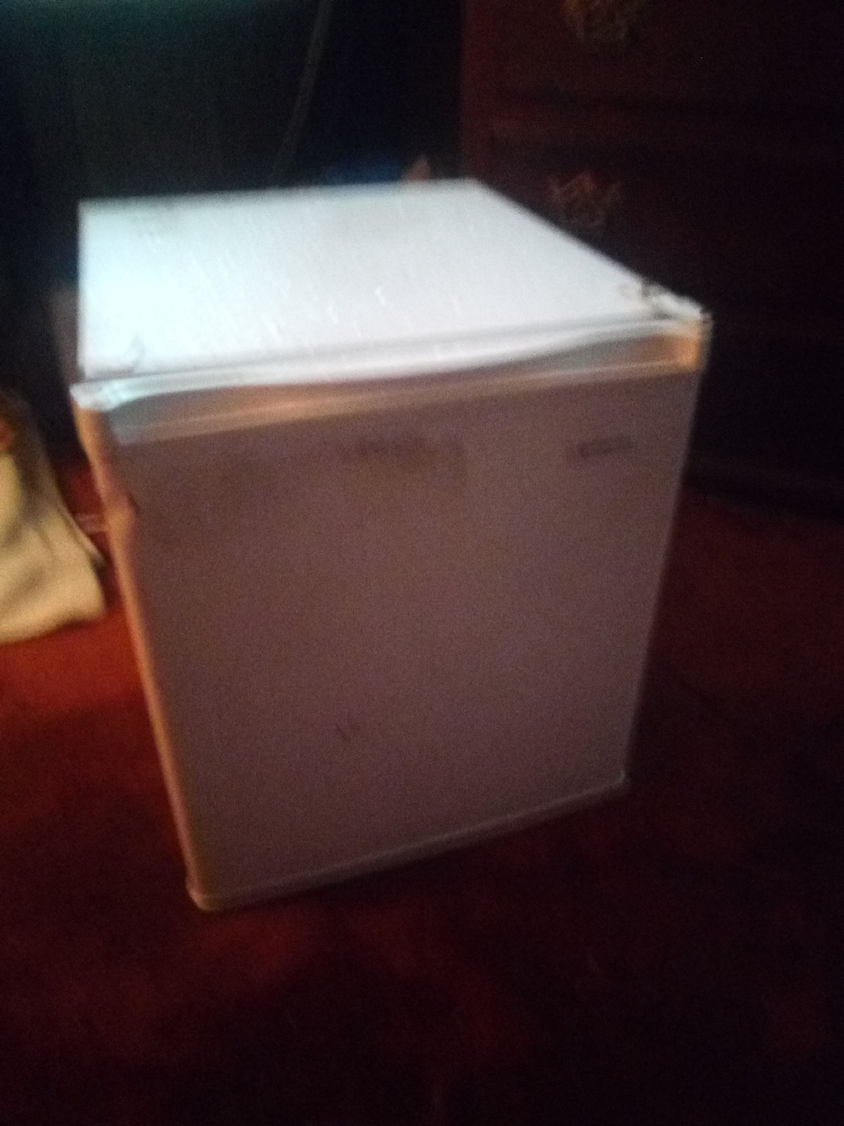 Magic chef mini fridge