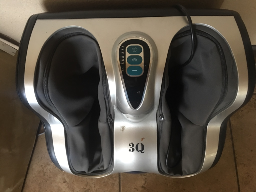 3Q foot massager