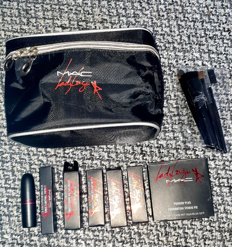 Lady gaga mac make up collection set