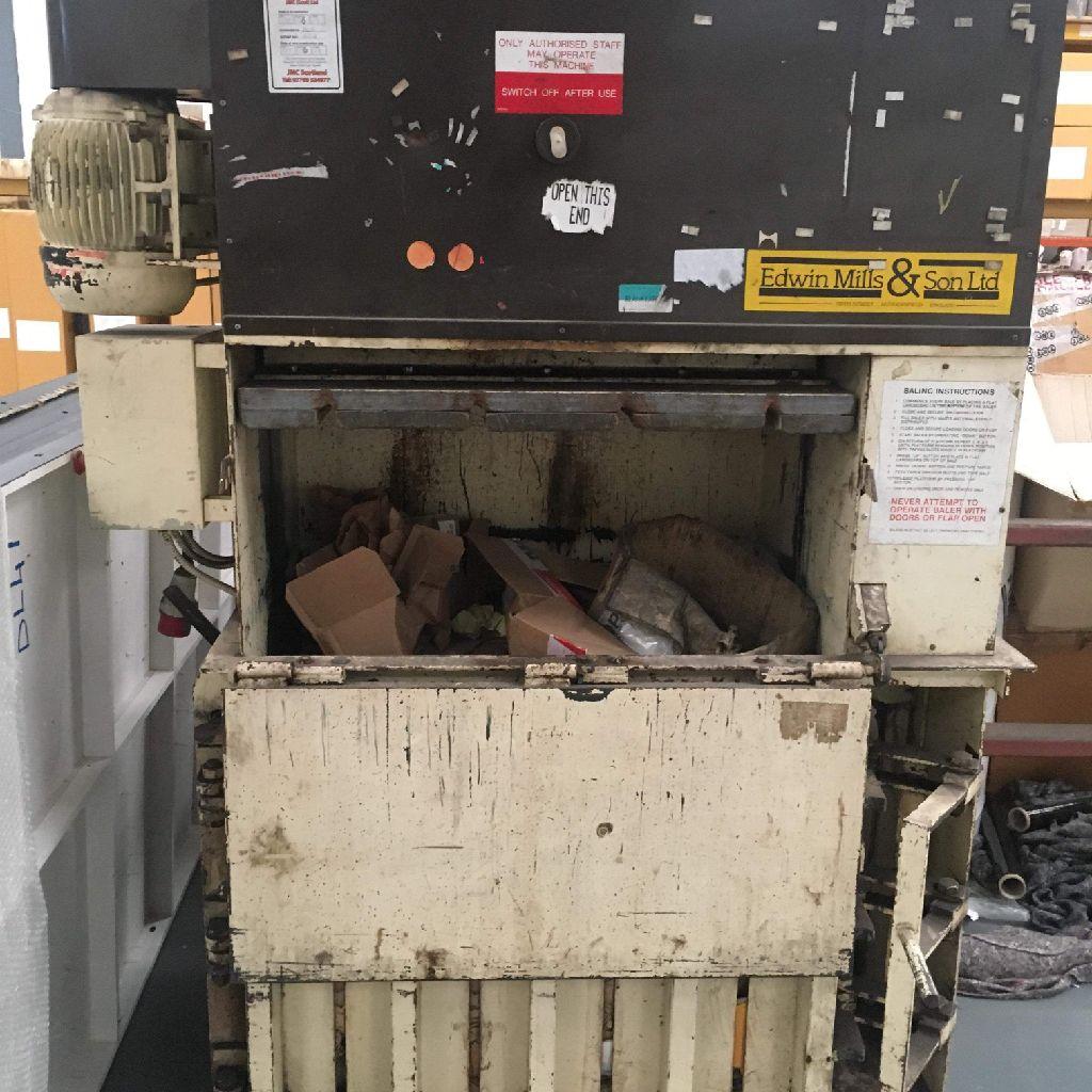 Cardboard compressor