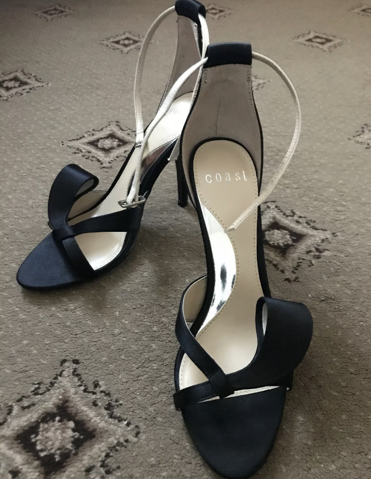 Black coast high heels peep toes shoes - size 4
