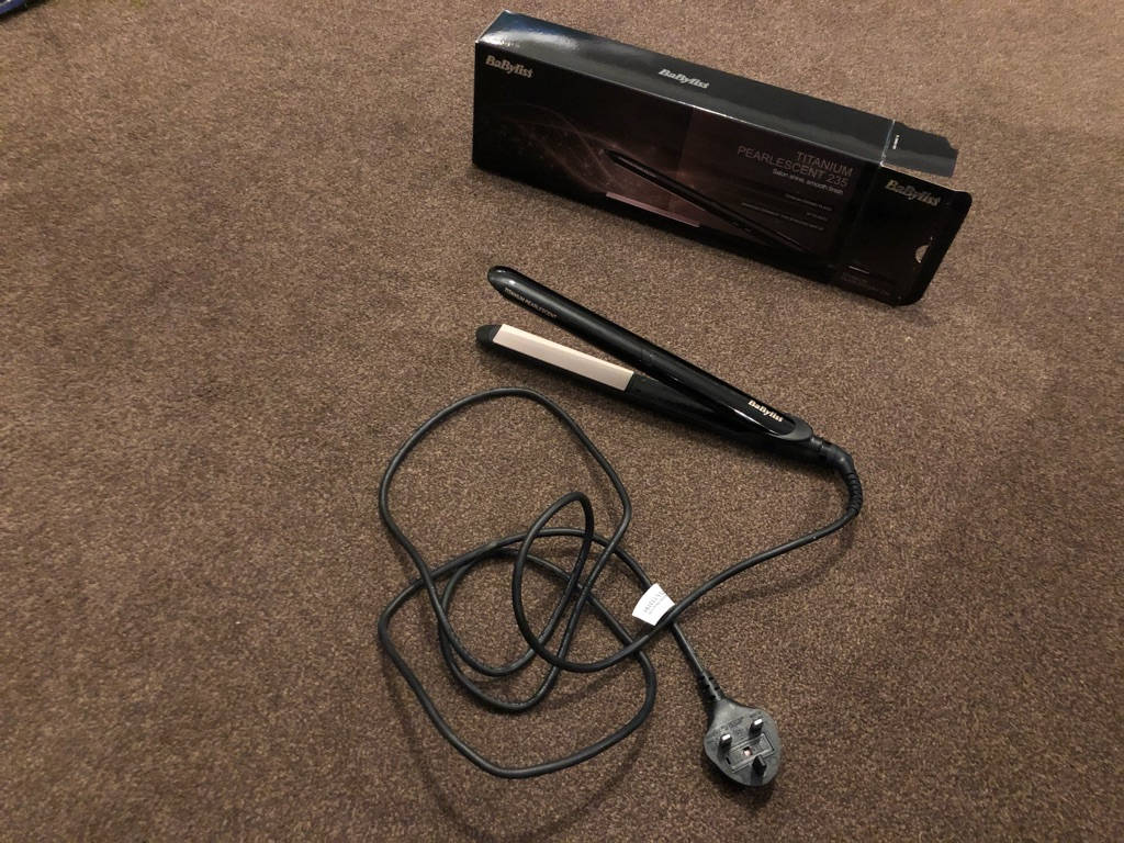 Babyliss Pearlscent Titanium 235 Hair Straighteners