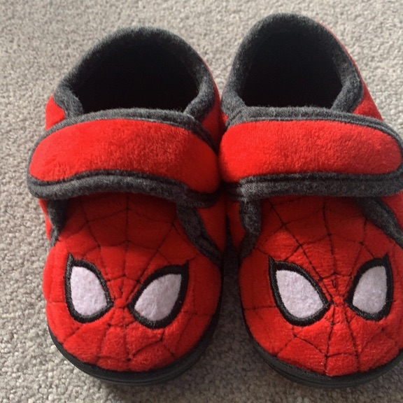 Comfy kids slippers