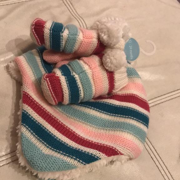 12-24months Brand New John Lewis hat & mittens