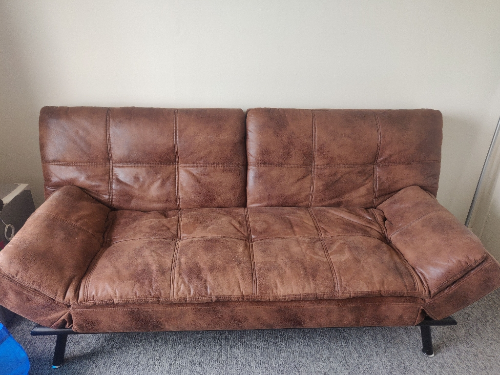 *** SOLD PENDING COLLECTION *** Sofa bed/ futon