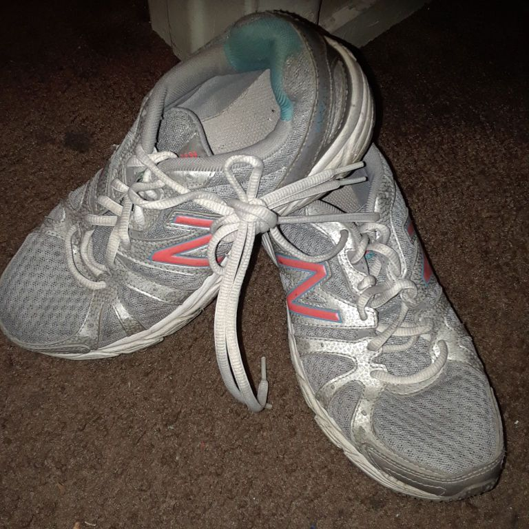 Gas Out Ladies running shoes.  Size 7-7 1/2