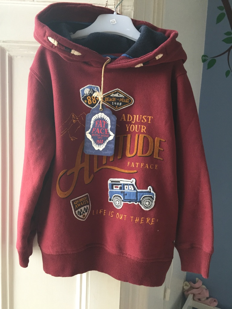 Boys jumper face face size 4-5 tags on