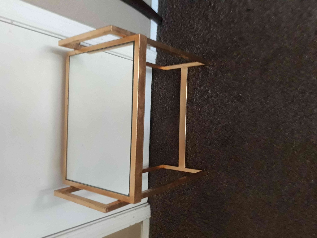 Metal Stand with glass