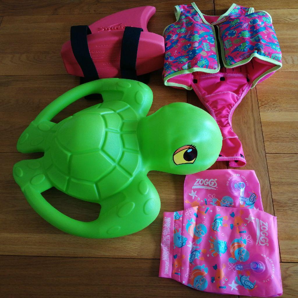 Swim items, various