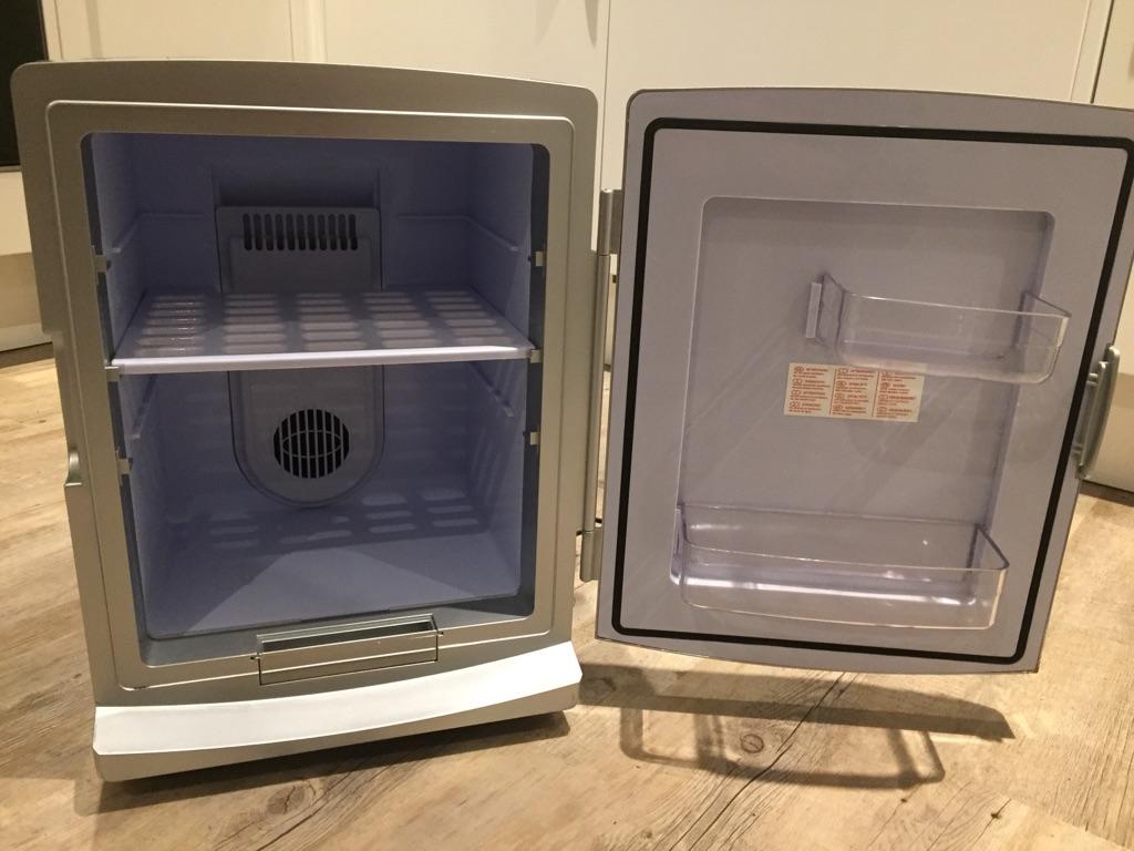 Portable Thermoelectric Mini Fridge 12 Litre AC/DC Cooler & Warmer Silver