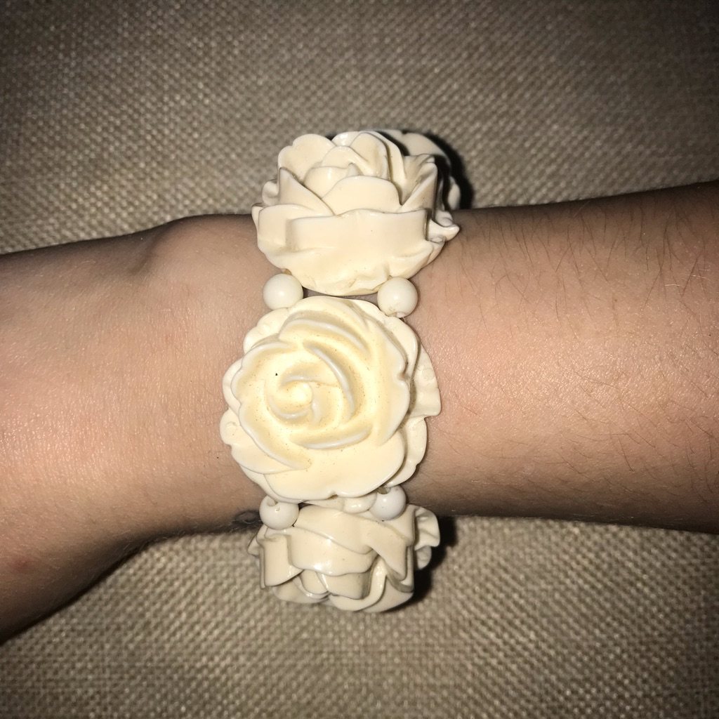 Chunky flower bracelet
