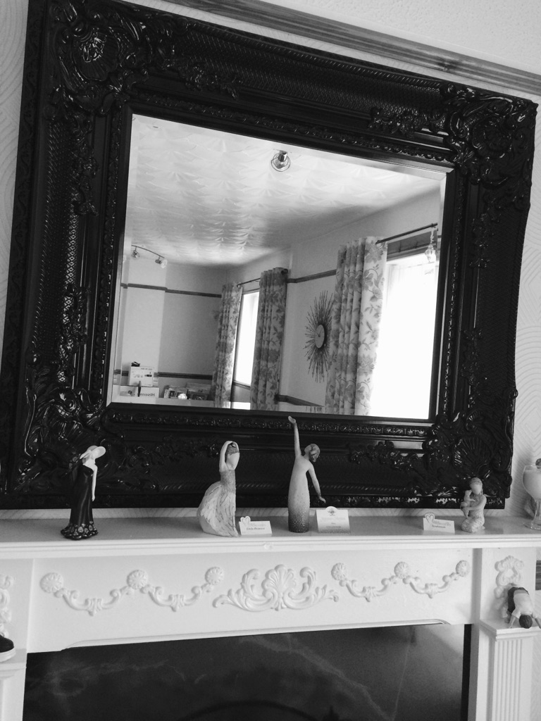 Lawrence Llewelyn Bowen mirror