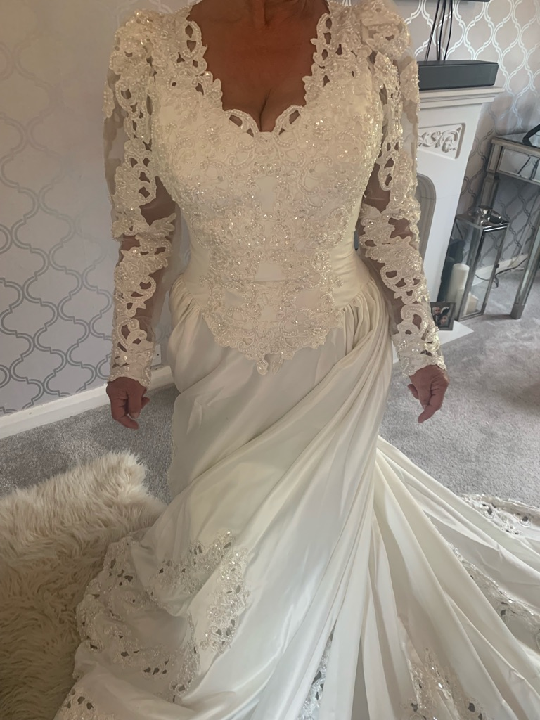 Alfred Angelo vintage wedding dress Ivory size 10/12