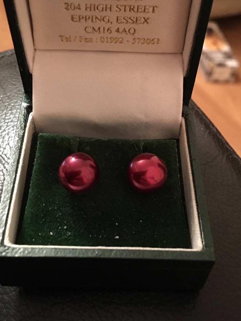 Red Fresh water pearl 9ct gold studs