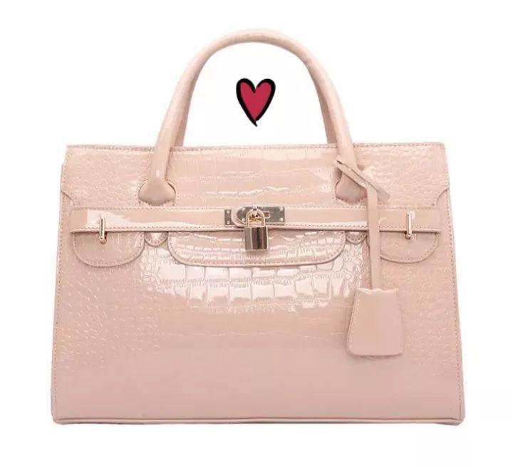 Ladies bag choice of 3 colours