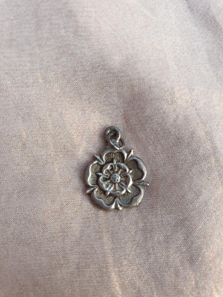 Sliver white rose pendant