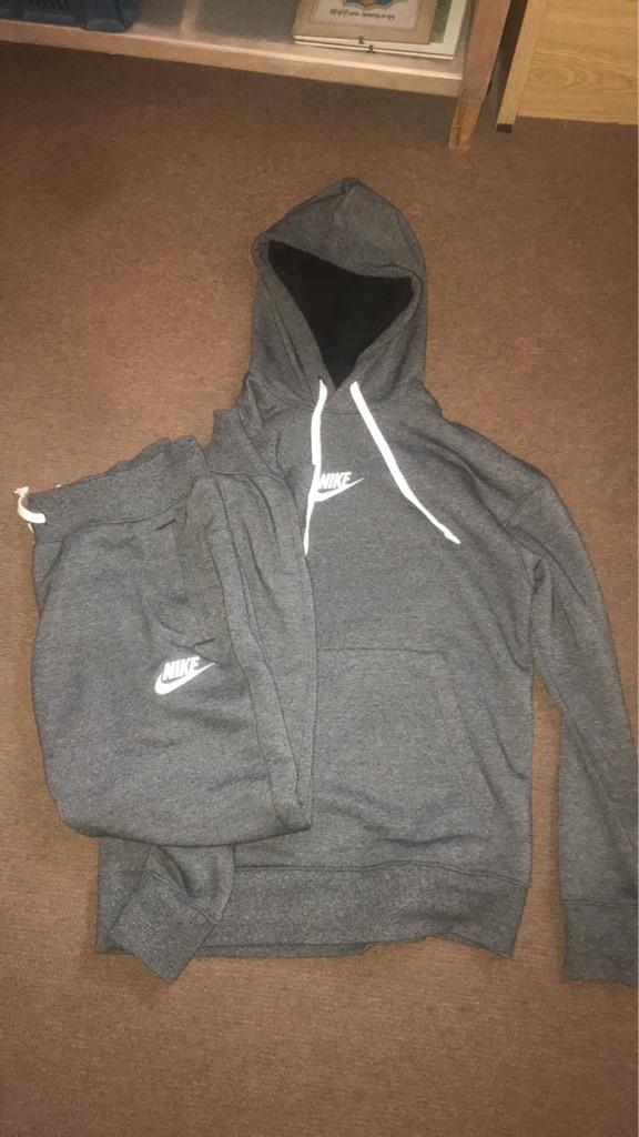 Nike Heritage Tracksuit