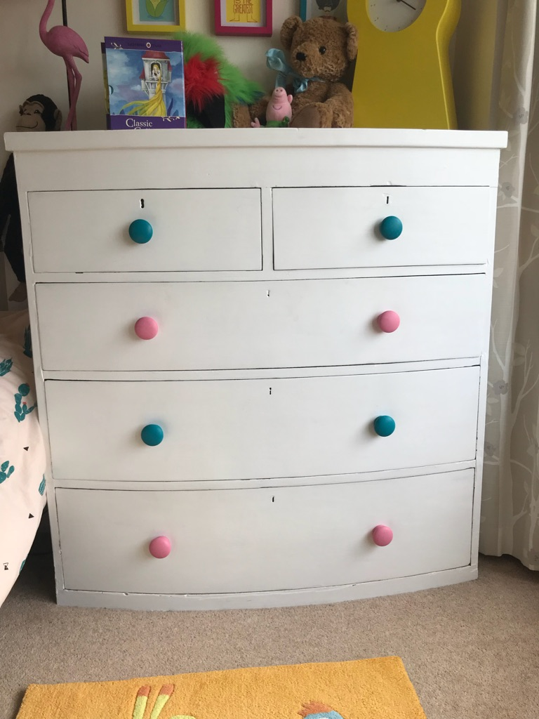 Wardrobe and chest of drawer set
