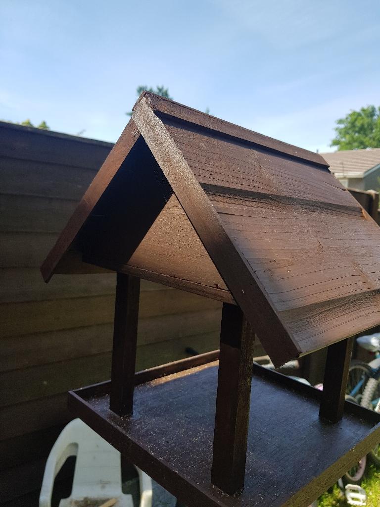 Bird table/feeder