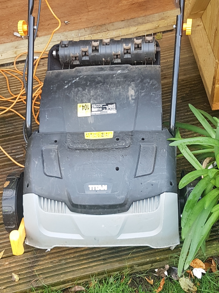 Titan electric scarifier/raker