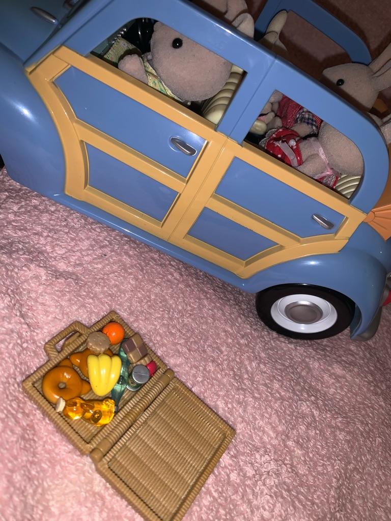 Sylvanian family caravan and car